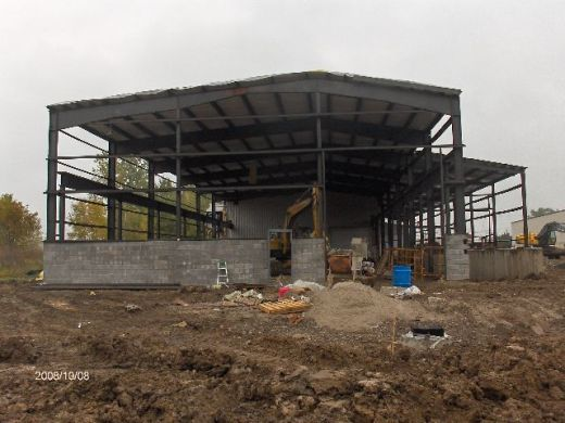 Industrial-Building-Addition_Installation-Of-Roof-Panels-And-Soffit-Insulation-Part5-ColB1-103-Picture-1