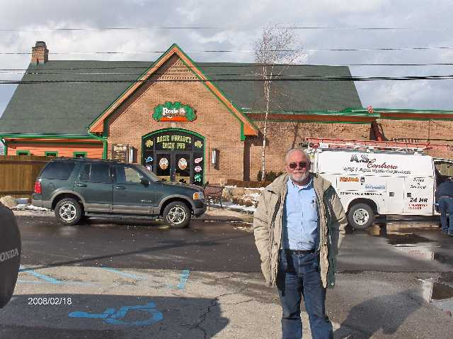 Rosie-O-Gradys-Restaurant-&-Pub-on-23-Mile-Road-in-Chesterfield-Twp-Michigan-Picture-7