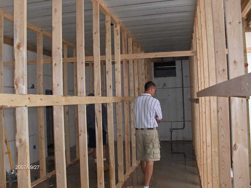 Energy-Efficient-House-Shoring-Installation-For-First-Floor-Insul-Deck-Panels-Picture-1