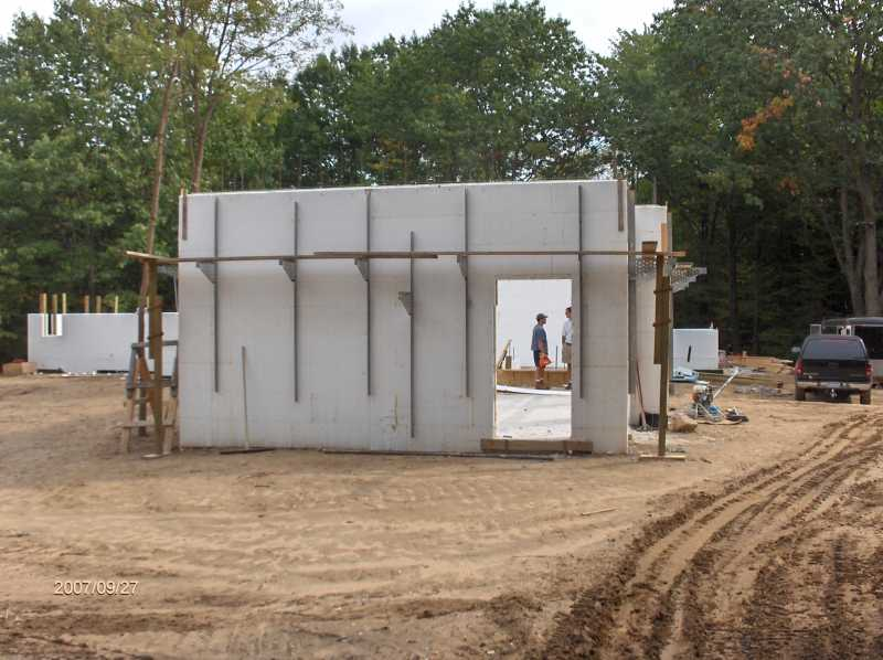 Energy-Efficient-ICF-Walls-For-House-With-Insul-Deck-Floor-Picture-1