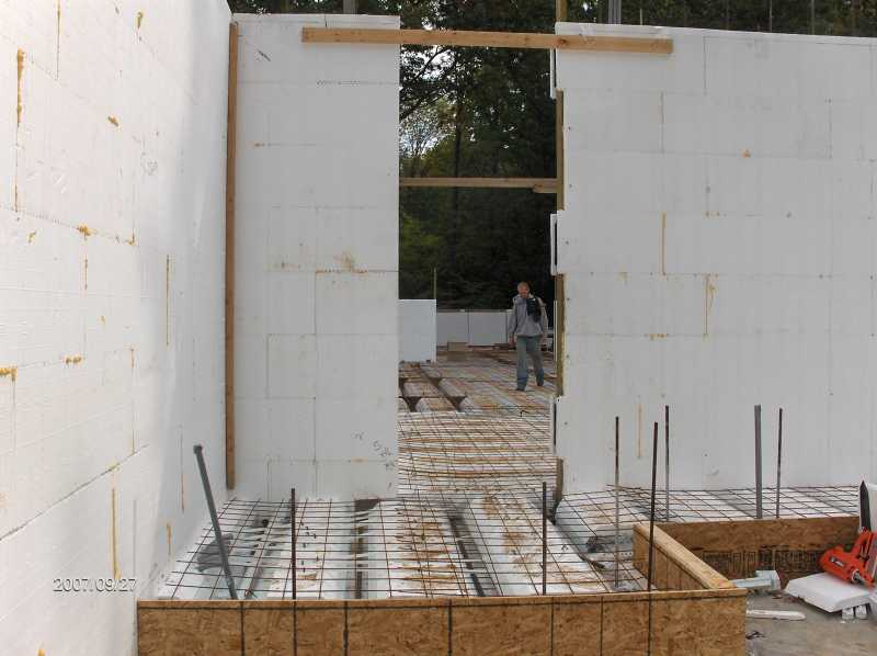Energy-Efficient-ICF-Walls-For-House-With-Insul-Deck-Floor-Picture-4
