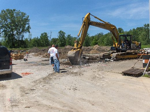 Industrial-Building-Addition_Digging-For-Column-Footings-Project-ColB1-103-Picture-2