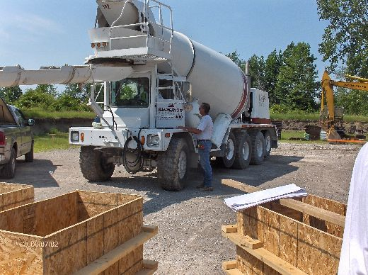 Industrial-Building-Addition_Concrete-Placement-In-Column-Footings-Project-ColB1-103-Picture-1