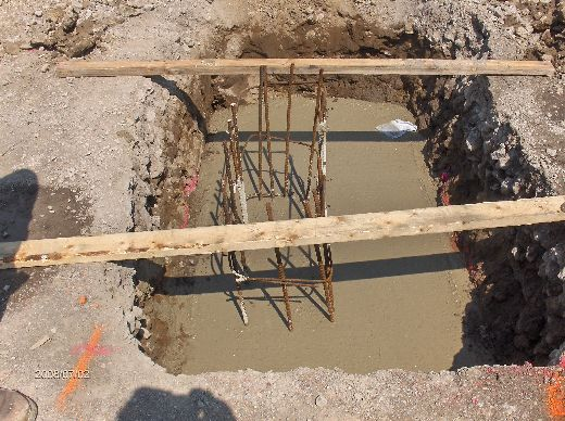 Industrial-Building-Addition_Concrete-Placement-In-Column-Footings-Project-ColB1-103-Picture-3