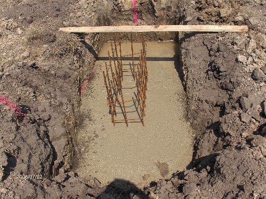 Industrial-Building-Addition_Concrete-Placement-In-Column-Footings-Project-ColB1-103-Picture-11
