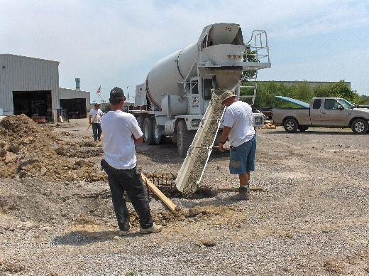 Industrial-Building-Addition_Concrete-Placement-In-Column-Footings-Project-ColB1-103-Picture-2