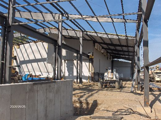 Industrial-Building-Addition_Installation-Of-Roof-Panels-And-Soffit-Insulation-Part3-ColB1-103-Picture-1