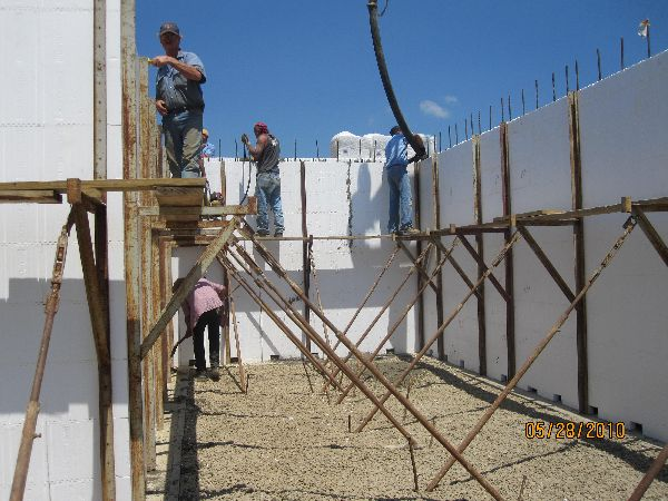 Placing-Concrete-in-ICF-Basement-Walls-Building-in-Ann-Arbor-Michigan-Project-EneE1DomM1-101.html-Picture-5