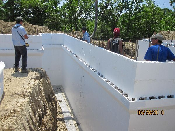 Placing-Concrete-in-ICF-Basement-Walls-Building-in-Ann-Arbor-Michigan-Project-EneE1DomM1-101.html-Picture-8