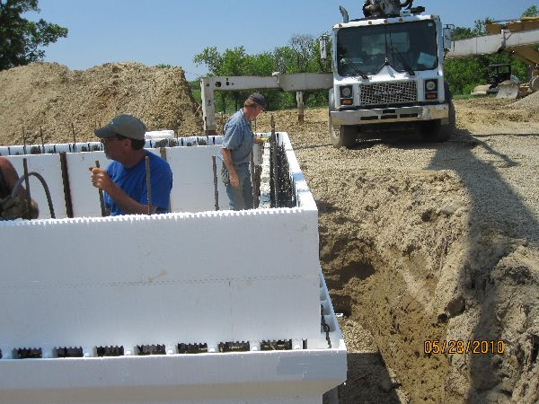 Placing-Concrete-in-ICF-Basement-Walls-Building-in-Ann-Arbor-Michigan-Project-EneE1DomM1-101.html-Picture-9