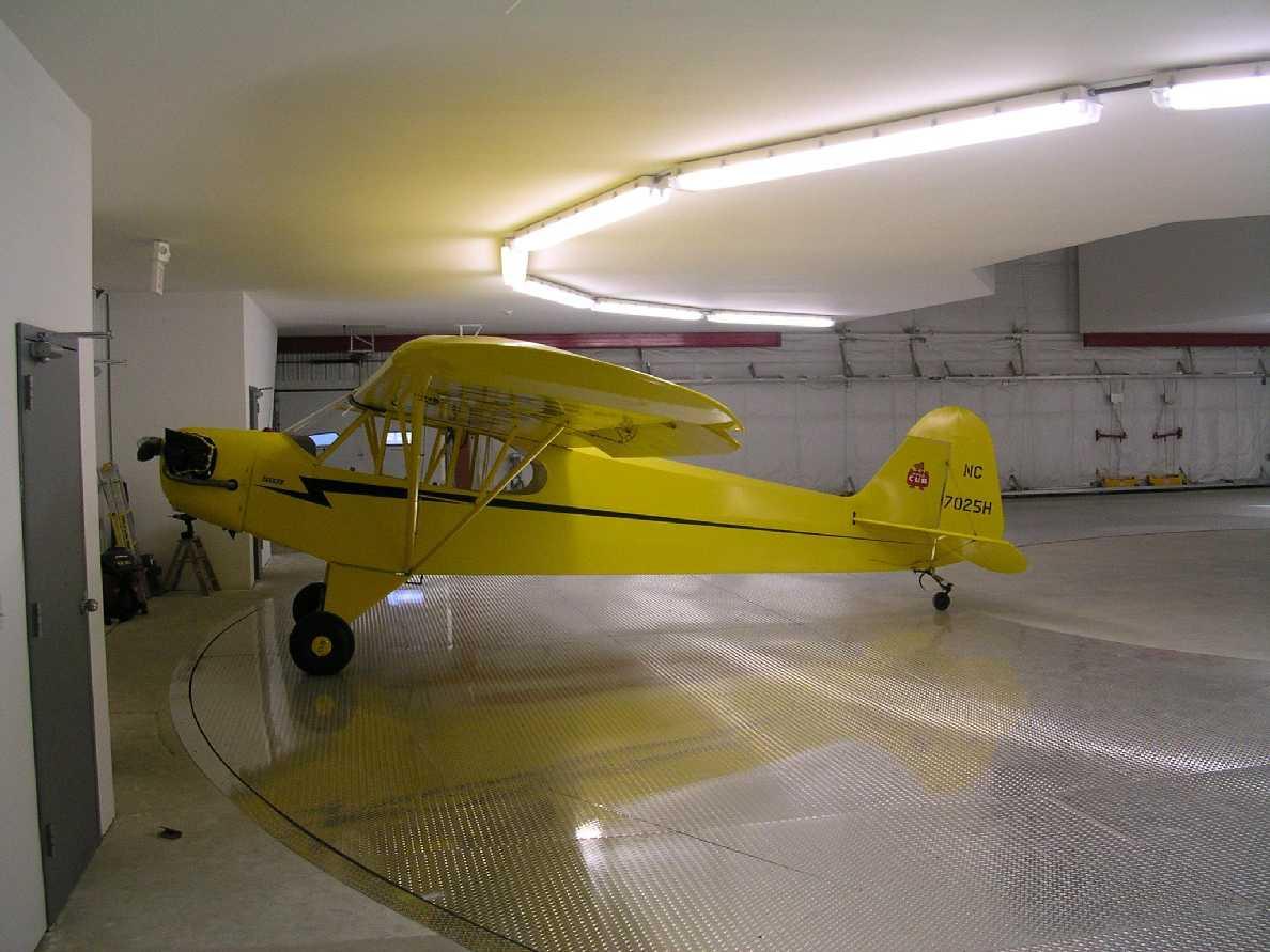 picture of Aircraft-Carousel-Condominium -- Carousel-Condos-04b