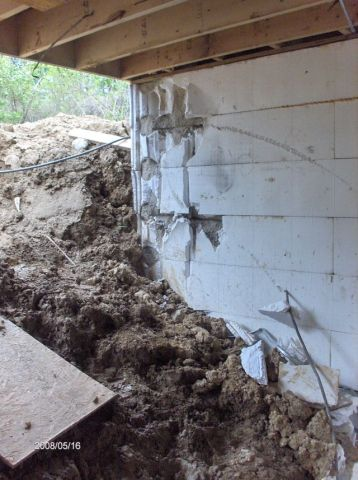 Looking-at-a-Basement-Wall-Failure-During-Backfill-Operation-Part2-Picture-4