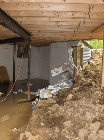Looking-at-a-Basement-Wall-Failure-During-Backfill-Operation-Part2-Picture-8