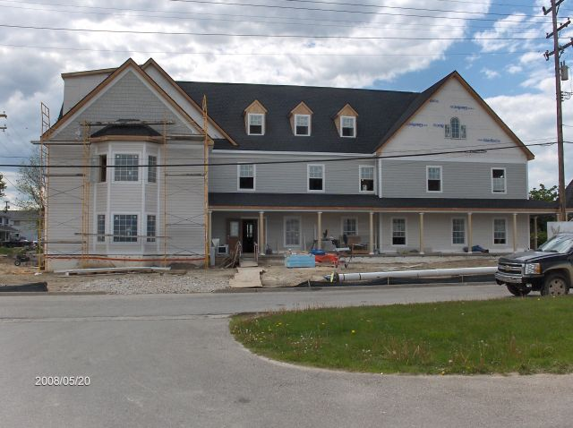 Angelicas-Place-Assisted-Living-in-Romeo-Michigan_Installation-of-Exterior-Siding-Picture-2