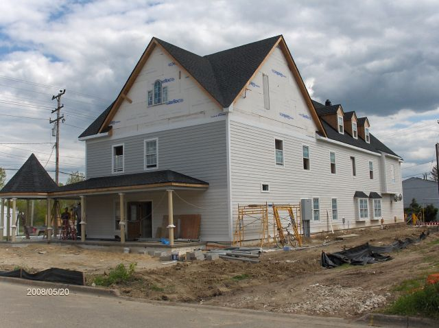 Angelicas-Place-Assisted-Living-in-Romeo-Michigan_Installation-of-Exterior-Siding-Picture-7