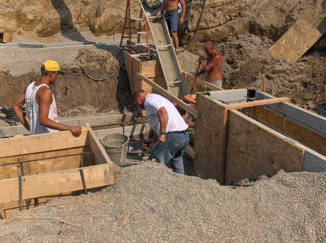 Angelicas-Place-Assisted-Living-in-Romeo-Michigan_Footing-Concrete-Placement-Picture-6