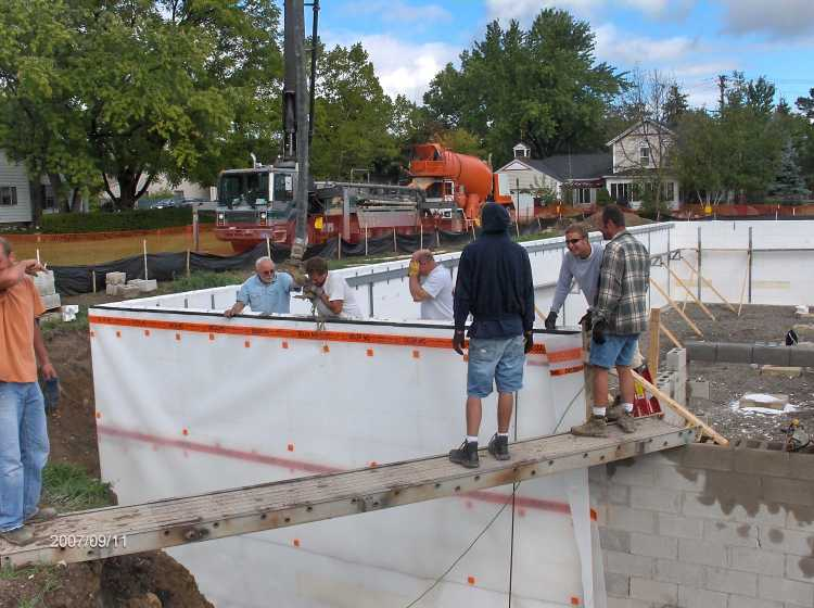 Angelicas-Place-Assisted-Living-in-Romeo-Michigan_Basement-ICF-Walls-Concrete-Placement-Picture-11