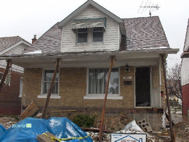 Rehabilitating-A-Foreclosed-House-In-Dearborn-Michigan-Project-OseH1-104-Picture