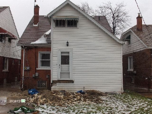 Rehabilitating-A-Foreclosed-House-In-Dearborn-Michigan-Project-OseH1-104-Picture-4