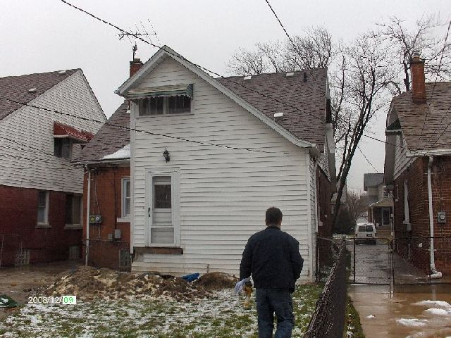 Rehabilitating-A-Foreclosed-House-In-Dearborn-Michigan-Project-OseH1-104-Picture-1