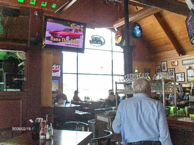 Rosie-O-Gradys-Restaurant-&-Pub-on-23-Mile-Road-in-Chesterfield-Twp-Michigan-Picture-3