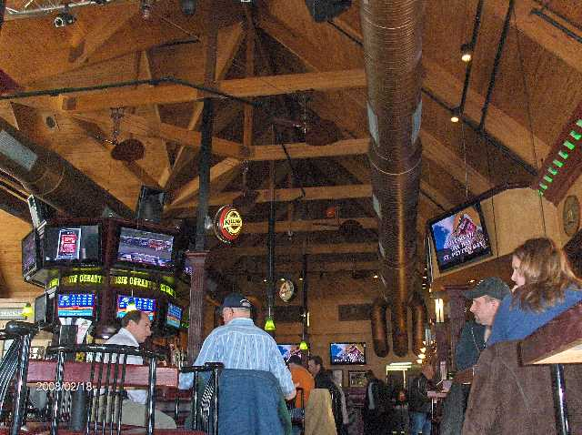 Rosie-O-Gradys-Restaurant-&-Pub-on-23-Mile-Road-in-Chesterfield-Twp-Michigan-Picture-5