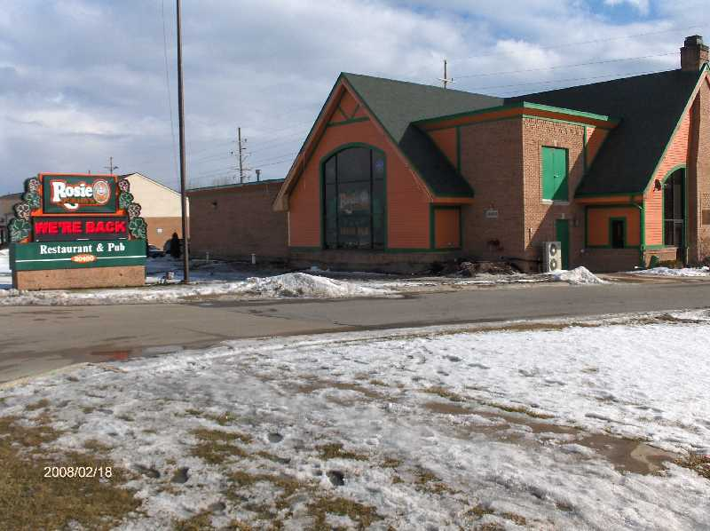 Rosie-O-Gradys-Restaurant-&-Pub-on-23-Mile-Road-in-Chesterfield-Twp-Michigan-Picture-11