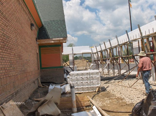 Rosie-O-Gradys_Installing-ICF-Wall-Forms-Above-Window-Sill-Level-Project-RosO1-101-Picture