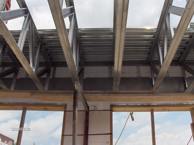 Rosie-O-Gradys_Getting-Ready-To-Install-Second-Floor-Metal-Deck-Project-RosO1-101-Picture-4