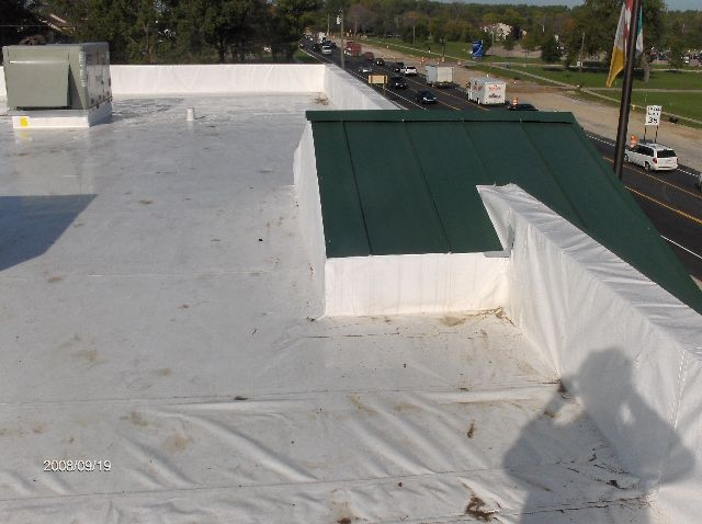 Rosie-O-Gradys_Building-Addition-Rubber-Roof-Installation-RosO1-101-Picture-5