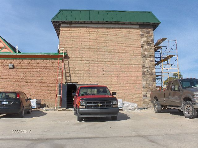 Rosie-O-Gradys_Building-Addition-Face-Brick-And-Stone-Veneer-Installation-RosO1-101-Picture-1