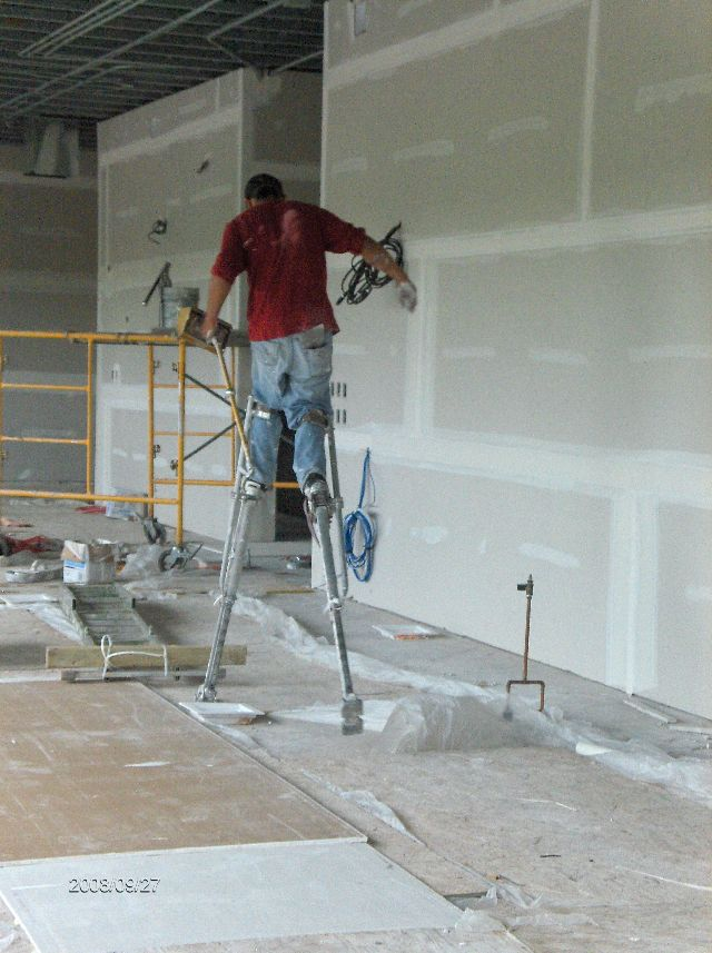 Rosie-O-Gradys_Building-Addition-Drywall-Installation-Part2-RosO1-101-Picture-2