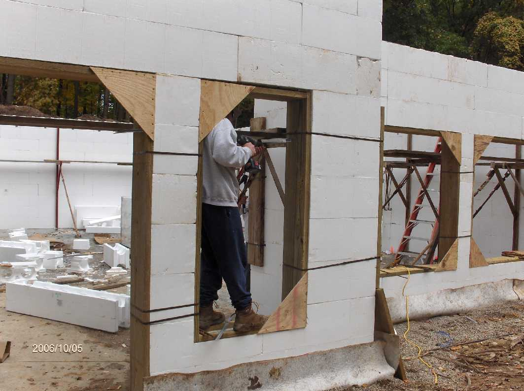 basement-icf-walls-03_for-Stehr-House-in-Highland-Twp-Michigan