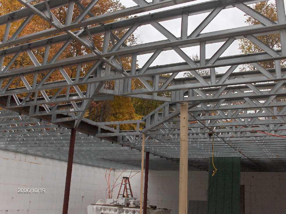 First floor steel open web joists and metal deck 02 for for Open web floor joists