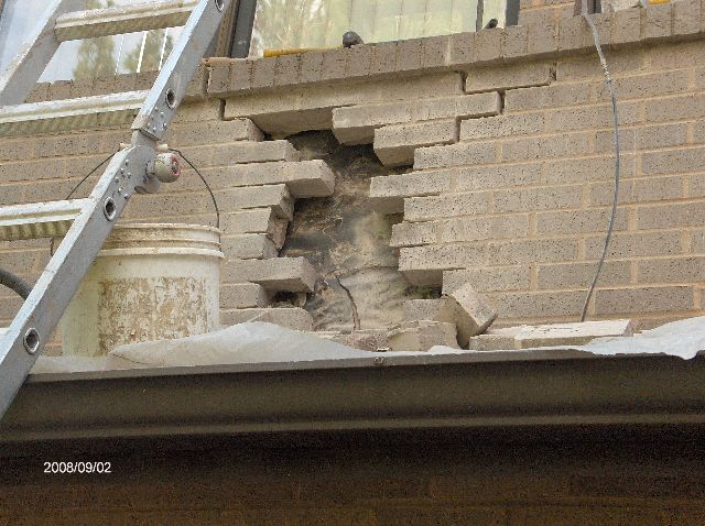 Fixing-Broken-Face-Bricks-In-Existing-House-In-Southeastern-Michigan-Picture-3