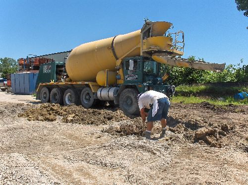 Industrial-Building-Addition_Concrete-Placement-In-Column-Footings-Part2-Project-ColB1-103-Picture-1