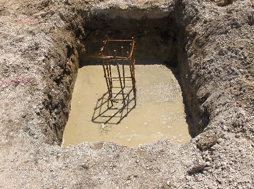 Industrial-Building-Addition_Concrete-Placement-In-Column-Footings-Part2-Project-ColB1-103-Picture-3